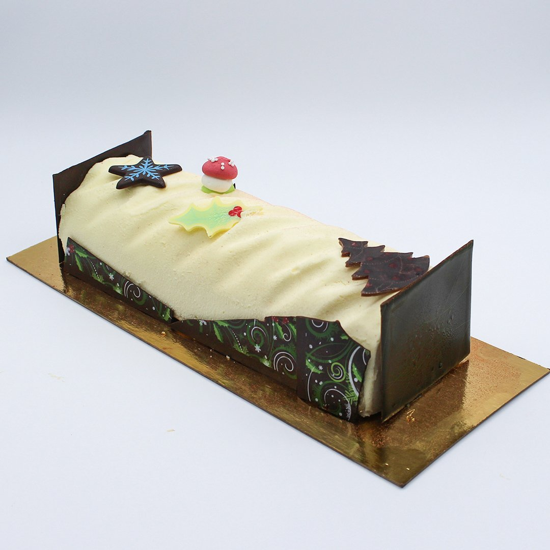 Patisserie La Cigogne Christmas Cake